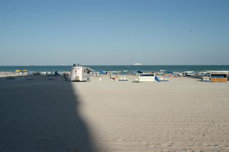 beachshadowwb.jpg
